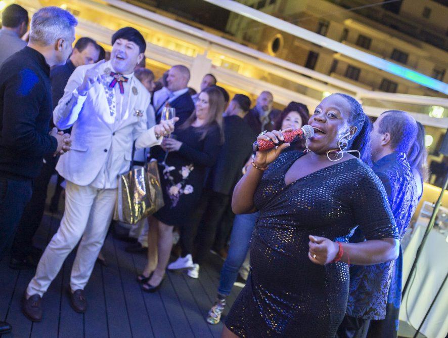 El restaurante Niokobok inaugura su nueva 'Terraza Lounge', un espacio diferencial, con música en directo y eventos exclusivos en pleno centro de Santa Cruz